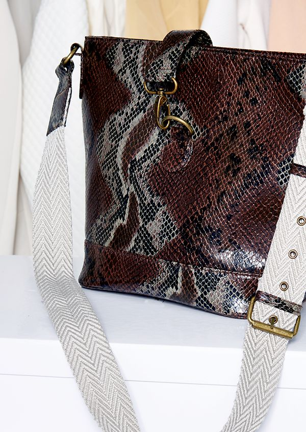 Imana Collection, where 70's luxe meets snakeskin prints and preppy chic ! #Accessories #oriflame
