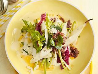 Birnen-Sellerie-Salat mit Sbrinz und Walnuss-Pickles und 87.000 weitere Rezepte entdecken auf DasKochrezept.de