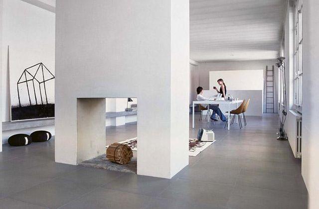 O piso de concreto estampado para interiores