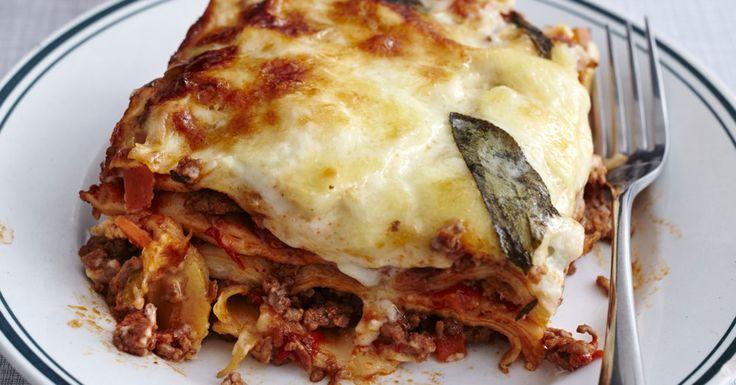 Das Geheimnis italienischer Lebensart? Aus allem das Beste machen! Beim Bolognese-Rühren von schönen Dingen träumen und das Lasagne-Schichten als ...