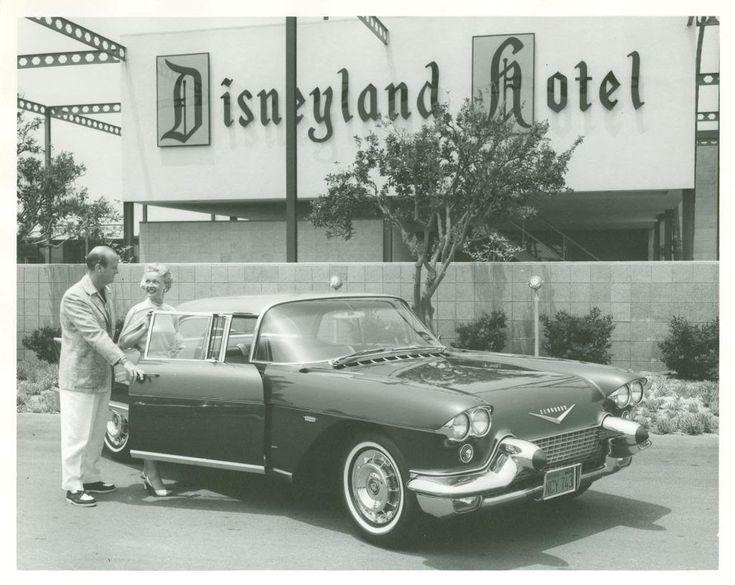 Pictures Vintage Disneyland Hotel & Classic Car Pics