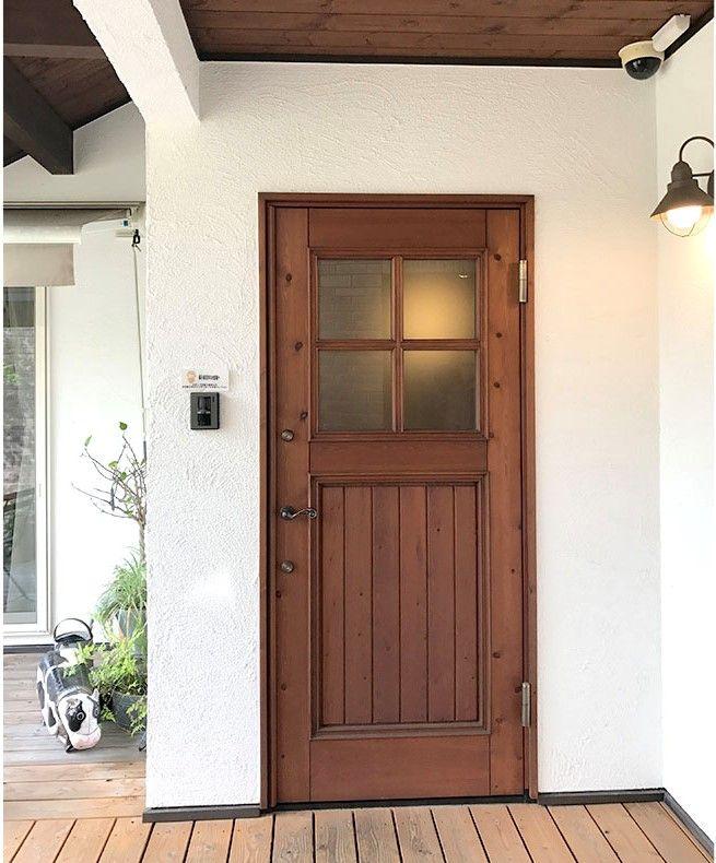 カントリーでナチュラルな 木製玄関ドアの商品紹介 店舗向けなど