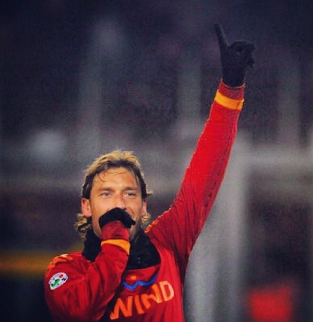 @A S ROMA OFFICIAL #totti