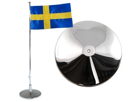 Flaggstång, slät, svensk flagga, h 42cm. Material: Nysilver.