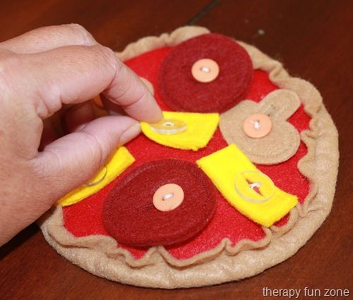 felt food shape | The pizza is about 6 inches in diameter.