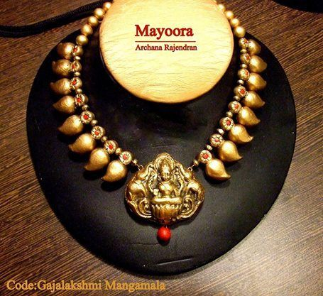 Gajalaxmi pendant in mango mala-this is in terracota but can be made in precious metal too
