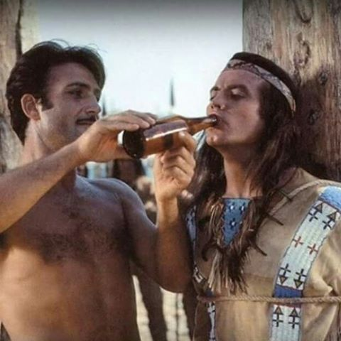 #winnetou #pierrebrice #lexbarker #oldshatterhand #karlmay #Western #movie #film #backstage #marterpfahl #lederanzug #warm #durst #trinken #bärenkette #nativeamerican #indianer #mescalero #apachen #love #naturbühne