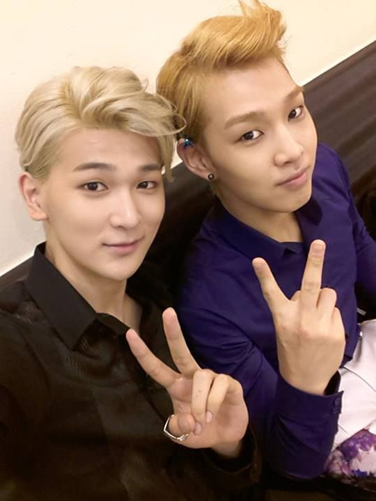 Led Apple - Kyumin & KwangYeon