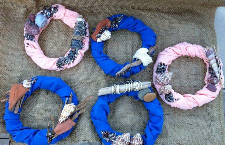 Summer wreaths with natural sea decoration. Diam 16cm.