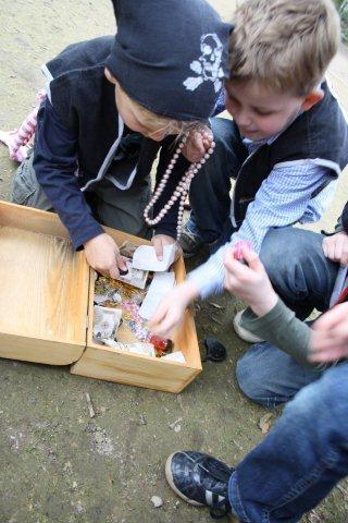 Piraten met de Schatkist van Kids-concepts.nl..de weg naar een geslaagd kinderfeest