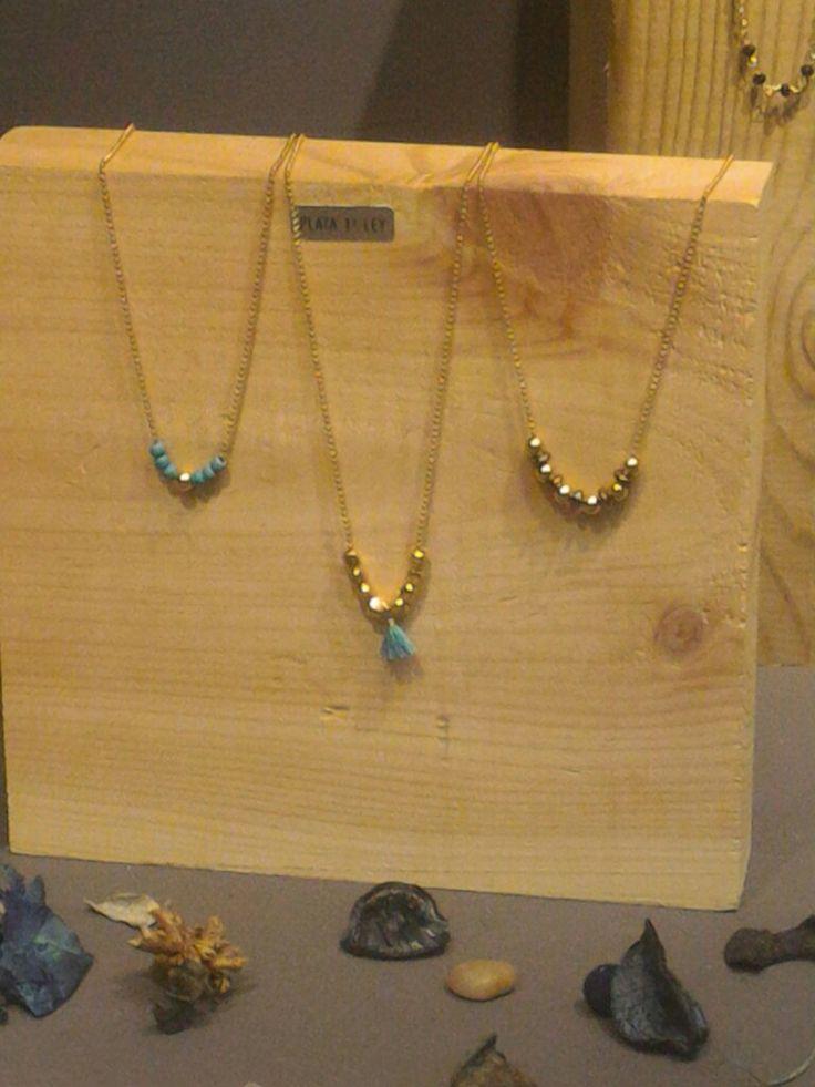 Collares de plata con baño de oro 21€ , las piedras son turquesas