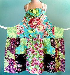 pieced apron tutorial…made from 5 fat quarters