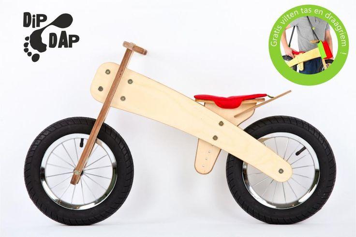 DipDap luxe houten loopfiets set rood-groen  Loopfietsen van DipDap is een houten constructie gecombineerd met stalen montage delen. De hoogst haalbare kwaliteit welke op dit moment verkrijgbaar is in zijn branche.