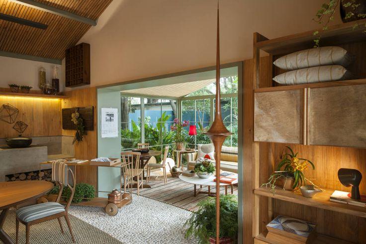 O espaço da Marina Linhares na Casa Cor 2015, de São Paulo, esbanjou elegância e funcionalidade. Todos os detalhes pensados para encantar o olhar do visitante.