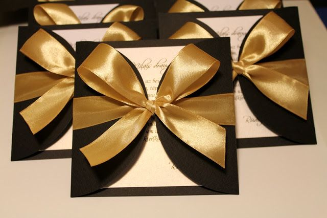 Elegant invitations - black and gold
