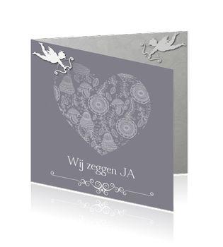 Originele huwelijkskaart met zilver hart met sierlijke bloemen. Wit cupido teken boven hart. Paars en grijze binnenzijde.  http://mycards.nl/trouwkaarten/originele-trouwkaarten/trouwkaart-origineel-hart-cupido-paars