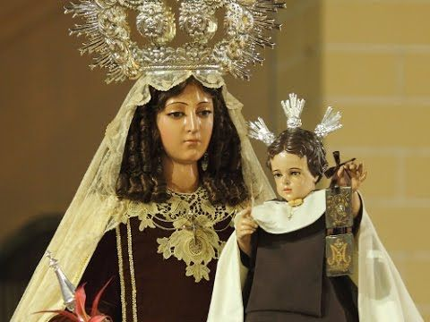 """""""Hacha prodigiosa"""", Prodigio 3 de la Virgen del Carmen.  Y su extremismo antirreligioso llegó hasta tal grado que un día le arrebató a su esposa el Escapulario de la Virgen del Carmen que traía en sus manos para despedazarlo a golpes de hacha... lo hubiera logrado si la Santísima Virgen del Carmen no hubiese obrado un gran prodigio para proteger el Escapulario, sostener la fe de su fiel devota y ayudar a ese hombre impío y sacrílego a reencontrar su fe perdida."""