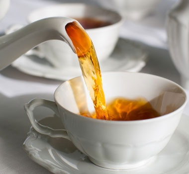 Would you like a cup of tea?    紅茶を一杯いかがですか。