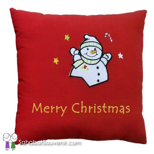 Bantal Natal Katun berukuran 30x30 cm, dengan gambar dan tulisan yang dapat dibuat sesuai pesanan.