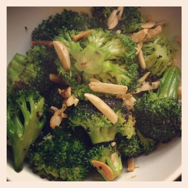 This is a nutritious recipe for Parmesan Lemon Roasted Broccoli
