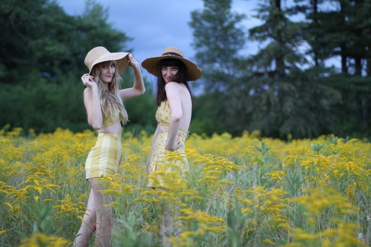lovely yellows  #photographyEden Inspiration, Summer Hats, Beautiful Hues, Style, Summer House, Yellow Photography, Meadow, Fields Of Dreams, Summer Shorts