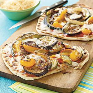 Individual Grilled Veggie Pizzas - Healthy Dinner Option