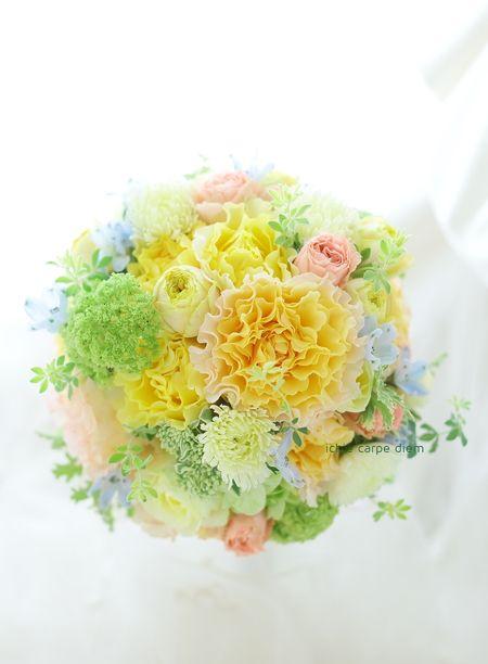 黄色のひらひらのバラは、 ラ・カンパネラ イエローです。  レモンイエローの元気が出るブーケ。 かわいい花嫁様の写真はこちらです。  ...