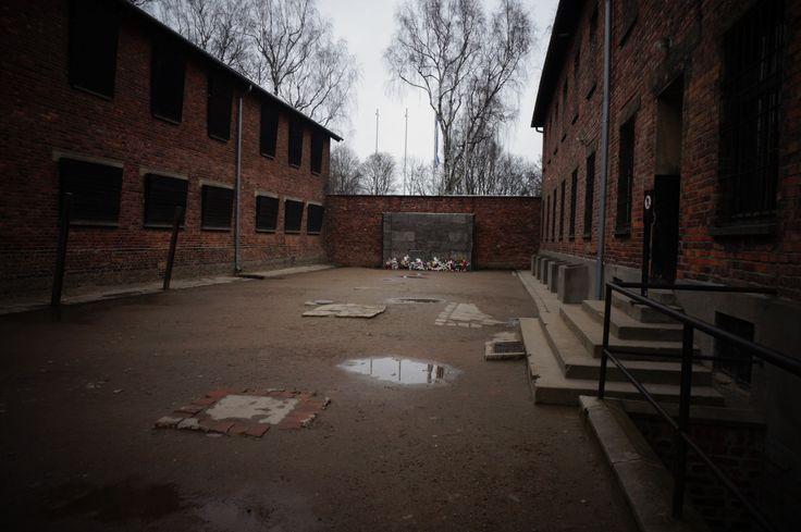 Άουσβιτς: επίσκεψη στη φωλιά του θανάτου