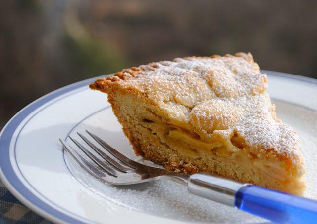 Крытый песочный пирог с яблоками