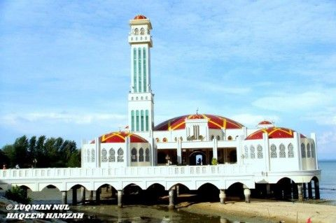Breathtaking Mosques in Malaysia: Masjid Terapung