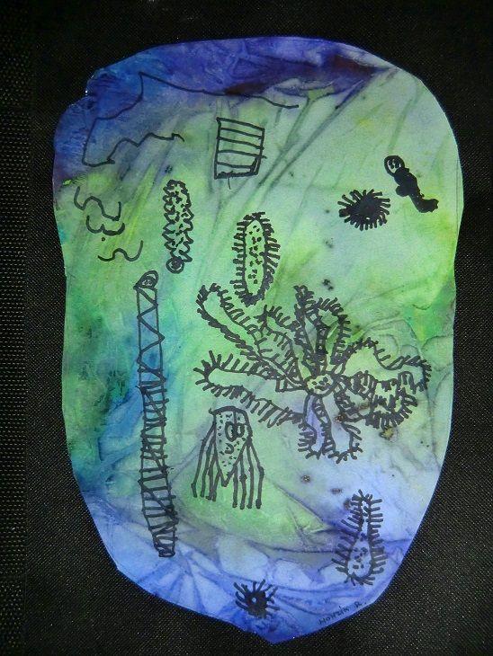 Život v kapce vody (malba anilinovými barvami, kresba fixy)