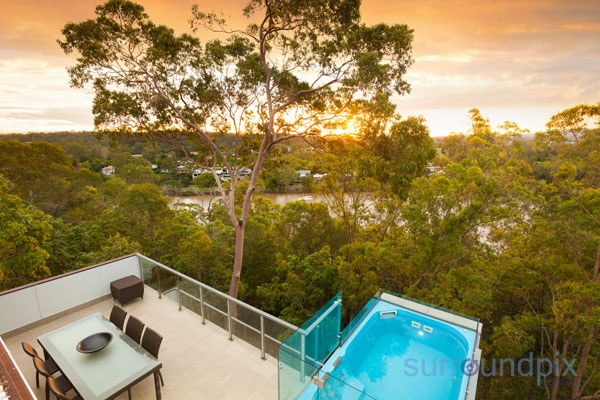 Beautiful golden sunset over Brisbane River - Listed by Brisbane Real Estate    http://www.surroundpix.com.au/real-estate/qld/corinda/4075/346125/