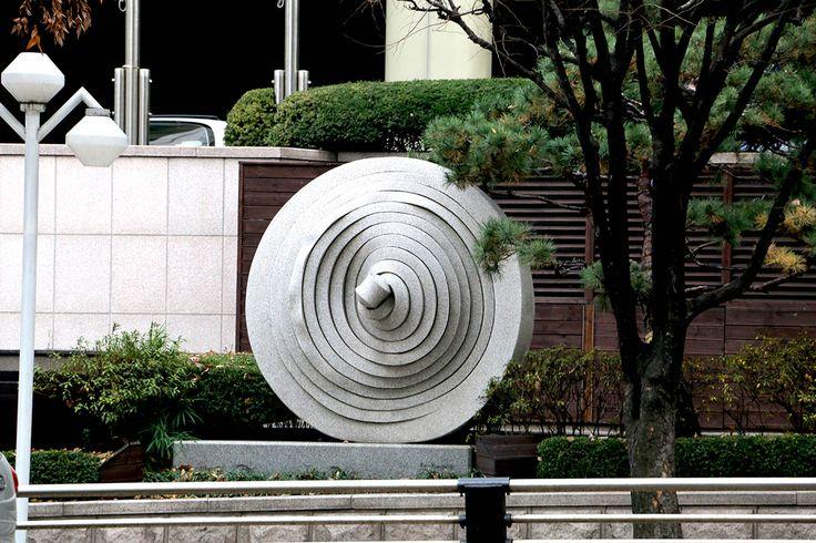 Sculpture 'The Ritz Carlton' Gangnam Korea