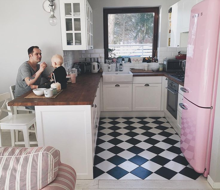 "1,324 Likes, 46 Comments - Aneta (@aajlajk) on Instagram: ""Sunday vibes✌#hellosunday #breakfast #breakfasttime #family #boys #fatherhood #fatherandson #home…"""