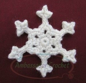 Snappy Snowflake - Free Crochet Pattern. Would look beautiful with some Pearl Blending Filament, or done in Kreinik #12 Braid color 5760 Marshmallow.