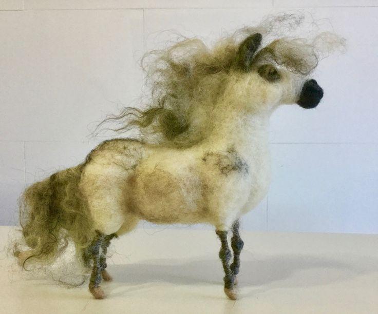 Pony de lana, pony afieltrado, escultura pony, pony Shetland, adorno pony, muñeco pony, figura pony, animal granja, animal Waldorf, pony de Wonderwoolart en Etsy