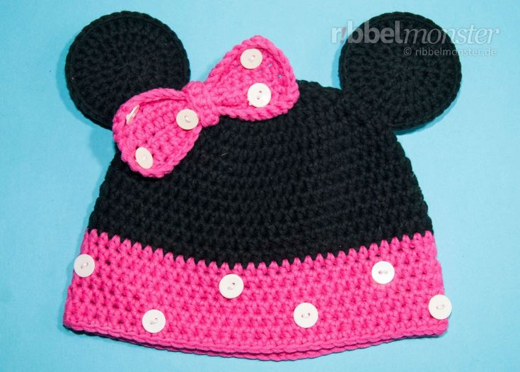 Diese tolle Minnie Maus Mütze häkelst du mit dieser kostenlosen Anleitung für Babies, Kinder oder Erwachsene. Zuerst häkeln wir eine ganz normale Beanie in