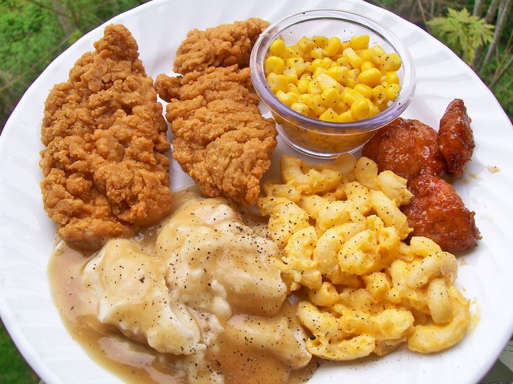 fried chicken mashed potatoes corn and mac and cheese new orleans