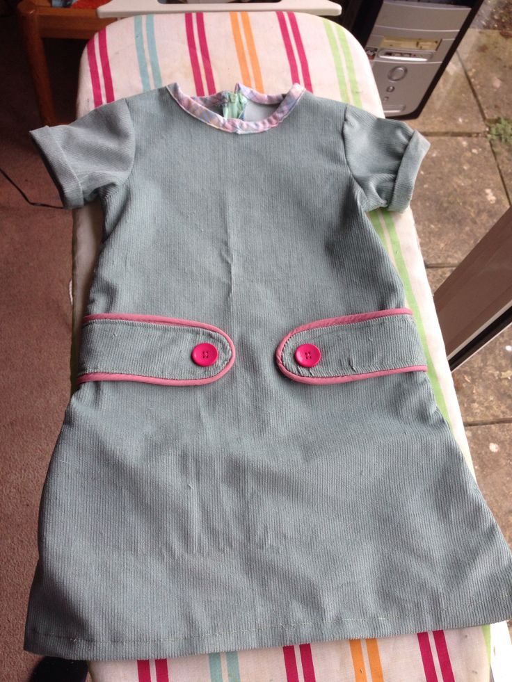Retro dress free pattern. Made with mint baby chord.