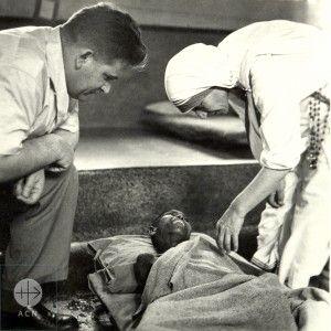 1961: une rencontre qui marque le père Werenfried, celle de Mère Teresa de…