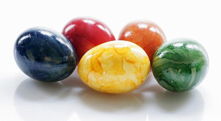 Окраска яиц с растительным маслом
