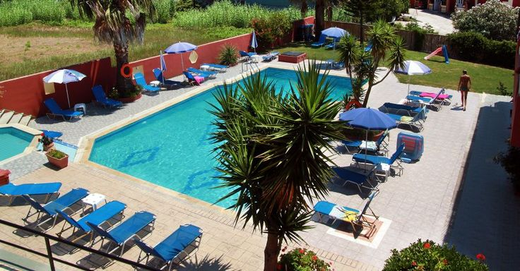 Hotel Spiros & Maria (formally Villa Maria) book for summer 2014, self catering studios in the centre of resort and just 150 metres from the sandy Beach of San Stefanos NW Corfu.