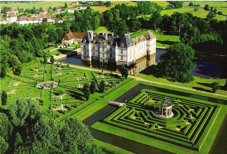 Chateau de Cormatin http://www.burgundytoday.com/historic-places/chateaux/cormatin.htm