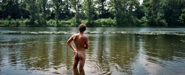Naturbelassener gehts kaum: Baden in der Lobau - mit oder ohne Shorts - paradiesisch.