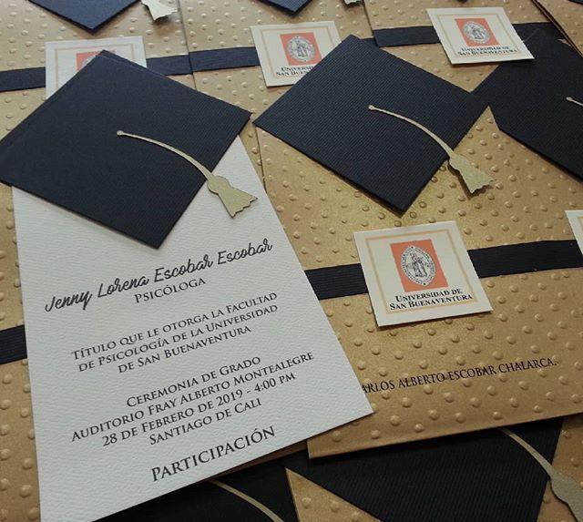Tarjeta Invitacion De Grado Estilo Birrete Invitaciones