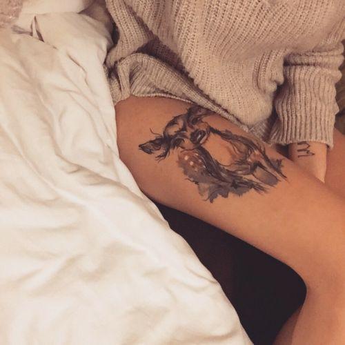 Little thigh tattoo of a fawn on Saskia.
