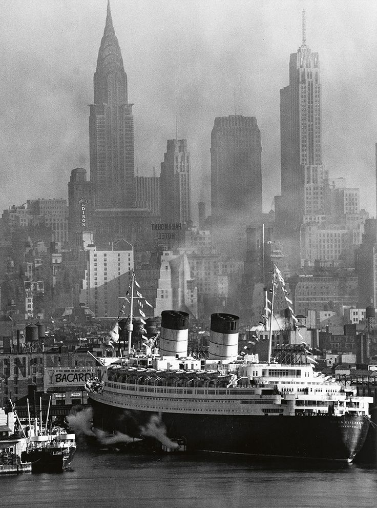 NYC. Queen Elizabeth at its Maiden Voyage in New York Harbor, 1940