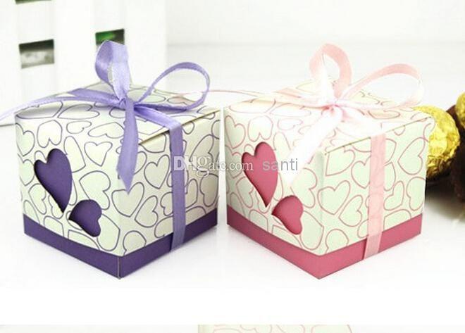 ruban inclu faveur de mariage bonbons boîtes rose et boîte-cadeau couleurs pourpres de soirée de mariage