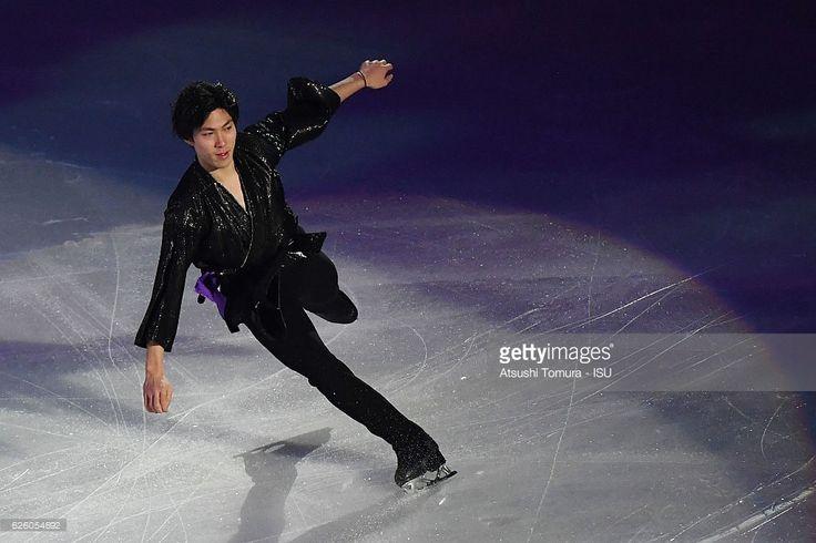 News Photo : Keiji Tanaka of Japan performs in the gala...