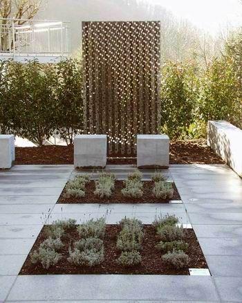 raumbildendes element und sichtschutz aus tombak partition walls trennw nde pinterest. Black Bedroom Furniture Sets. Home Design Ideas